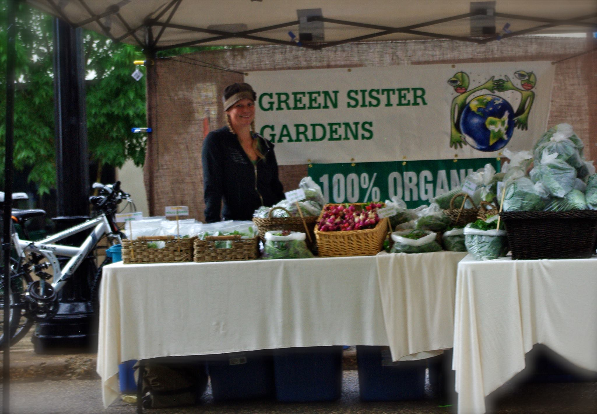 SF photo Keri Fox Green Sisters Garden farm stand design